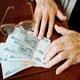 Россиян, задолжавших банкам, все чаще стали признавать банкротами